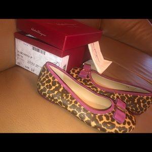 Salvatore Ferragamo Girls Vara Mini Size 33